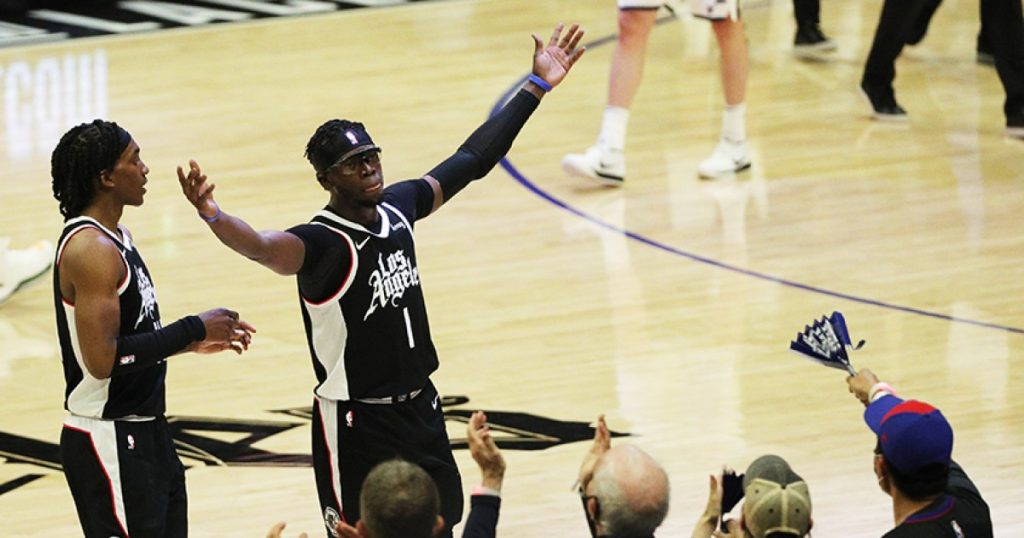 Reggie Jackson is back with Clippers, and so are the goggles